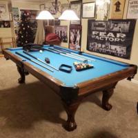 Beautiful 8' American Classic Pool Table